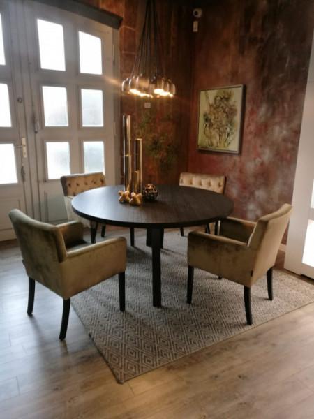 Esstisch rund mit Stühlen